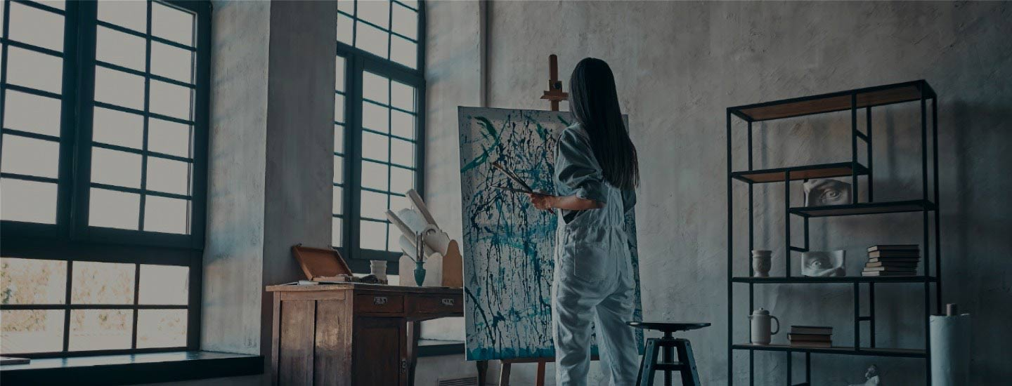 Citibank customer painting on a canvas